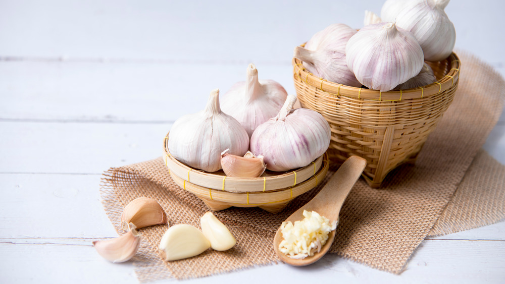 This is why you should start eating more garlic